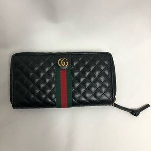 Authentic New Gucci Black Leather Wallet